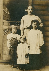 Bertha Williams (Rowland) and Children Picture